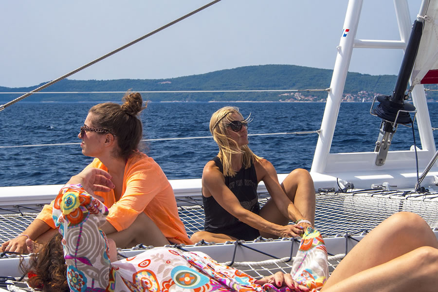 Summer Blues experience – Sail from Split to the islands